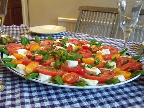 Tomato and Mozzarella summer salad recipe